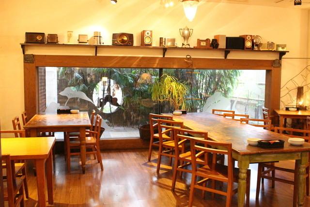 フラミンゴカフェ 店内
