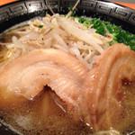 800円ラーメン店 天歩 - 焦がしにんにく醤油ラーメン
