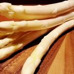 トラットリア ラ・スカルペッタ - 南会津産の特別栽培ホワイトアスパラ!オーブン焼きやパスタ、リゾットなどに(^^)