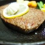 なかにし - ステーキの厚さはこんな感じでした