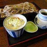 きこり - B定食(上段に蕎麦、下段に寿司&おかず6品)