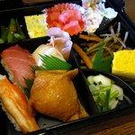 きこり - B定食 下段(寿司&おかず6品)