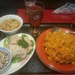 47331631 - 麻婆炒飯(スープ、グラスビールor烏龍茶)+蒸し鶏(ハーフ)