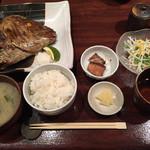 八幡浜はなれ - 満足兜焼き定食!
