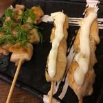名代 鶴亀家 - くわ焼き 鶏しそ 130円税別×2本、鶏むねチーズ 130円税別×2本