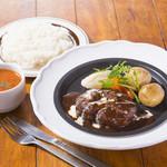 大宮特製 ハンバーグステーキ(ライスorパン、スープ付き)