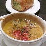 47339219 - 海老とマッシュルームのガーリックオイル焼