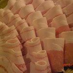 口福家 にし川 - あぐー豚のバラ肉とロース肉の盛り合わせです。