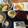 筑前あしや 海の駅 - 料理写真:海鮮丼と天ぷら付=1500円