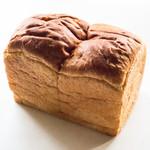 Boulangerie ぱんのいえ - 生クリーム食パン