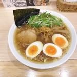 47346996 - しょうがらーめん¥820 +煮玉子増(クーポン無料・通常¥110)