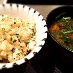 神楽坂 鉄板焼 中むら - ガーリックライスとあおさのお味噌汁!