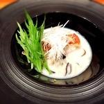 神楽坂 鉄板焼 中むら - 金目鯛のポワレ、豆乳を使った和出汁のスープ!