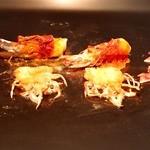 神楽坂 鉄板焼 中むら - 車海老!②、濃厚な海老味噌の味を移しながら焼き上げ!