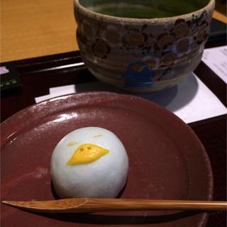 京都茶寮 - いこ菓セット(ICOCA電子マネーサービス開始10周年を記念した千本玉壽軒製の生菓子と薄茶のセット)