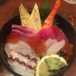 宇宙 - 料理写真:海鮮丼¥1,240