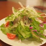 Niku Jyu-Hachi - セットのサラダ