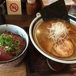 花壱 - 花壱ら~麺(700円)+まぐろ丼(400円)