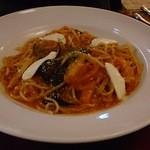 モッチモパスタ - 湯剥きトマトとなすのトマトソース