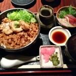 樞 - 純系名古屋コーチン炙り焼き丼 1,300円