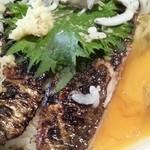 地料理の店 ごんきち - 鰯とかま揚げしらすの親子丼定食に生卵 2016.2