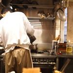 石臼挽き手打蕎楽亭 - 厨房内