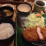 47369180 - 三元豚の厚切りロースかつ定食@1944円