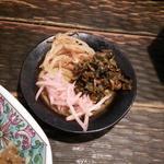 博多ラーメン 琥家 - もやし、高菜、紅しょうが