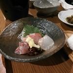 岡本屋旅館 - 料理写真:お造り
