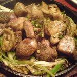 4737711 - 鶏モモ肉の炭火焼