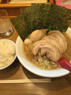武松家 - ラーメン大1050円