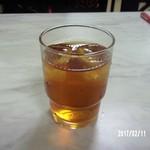 中華料理 栄香楼 - 麦茶