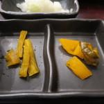 47378779 - 胡瓜の醤油漬け、たくあん、ハリハリ漬けアップ