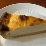 カフェ リトル・ウィング - チーズケーキ 450円