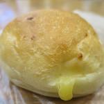 モンタボー - ベーカーズロール(チーズ&チーズ)アップ