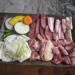 陽氣茶屋 - 豚トロ、肥後牛等の炭焼き、塩コショウの味付けが絶品