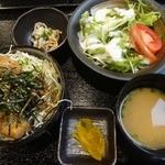 博多もつ鍋 いっぱち - もつ焼き丼