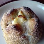 サクラベーカリー - アプリコットクリームチーズ