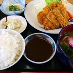 やじろべえ食堂 - 「ヒレカツ定食¥950円」 定食はご飯1膳お替りできます