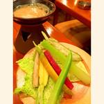 日本晴ルTOKOTON - お通しは季節野菜のバーニャカウダ