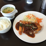 cafe lunch Natural メイ - 日替わりランチ 今日は、鳥カツランチで、800円なり。