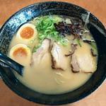 久味 - 【しょうゆとんこつらーめん + 煮玉子】¥730 + ¥100