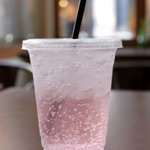 アクセント カフェ - ソーダ(ピンクグレープフルーツ)