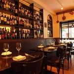 メルジェリーナ - 銀座のマロニエ通りを望むテーブル席