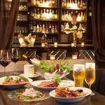 DIXON SALOON - LOTUS自慢の料理は多彩なランアップが揃い深夜まで味わえるダイニングとしても人気