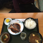 Tomoshige - カレイの煮付け&揚げだし豆腐定食 税込880円 白飯、赤だし、香の物付き 日本酒と共にいただきました