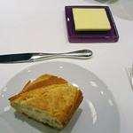 47415879 - パンとバター