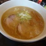 ふらり - 豚骨醤油ラーメン680円(税込)