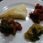 モロッコ料理 ル・マグレブ - (2015/12月)「前菜3種」を1/3に取り分けたところ