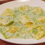 (La Fabbrica Della Pasta) Quel - 自家製スモークサーモンとジャガイモのラビオリ、生のりクリームソース